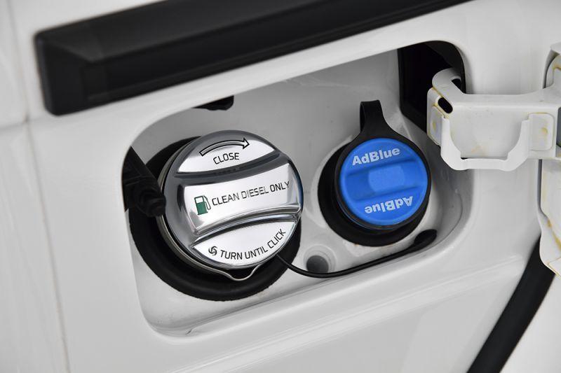 Fuel cap cover for mercedes benz for Mercedes benz gas cap