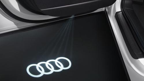 Audi純正 Ledロゴカーテシライト Quot 4rings Quot